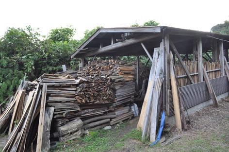 材木の山.jpg