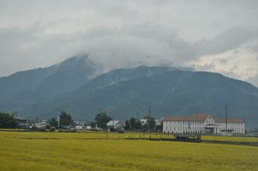 黄金色の村.jpg